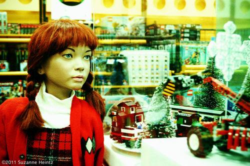 Christmas06 - EYES ALL AGLOW - 1200px-wmk