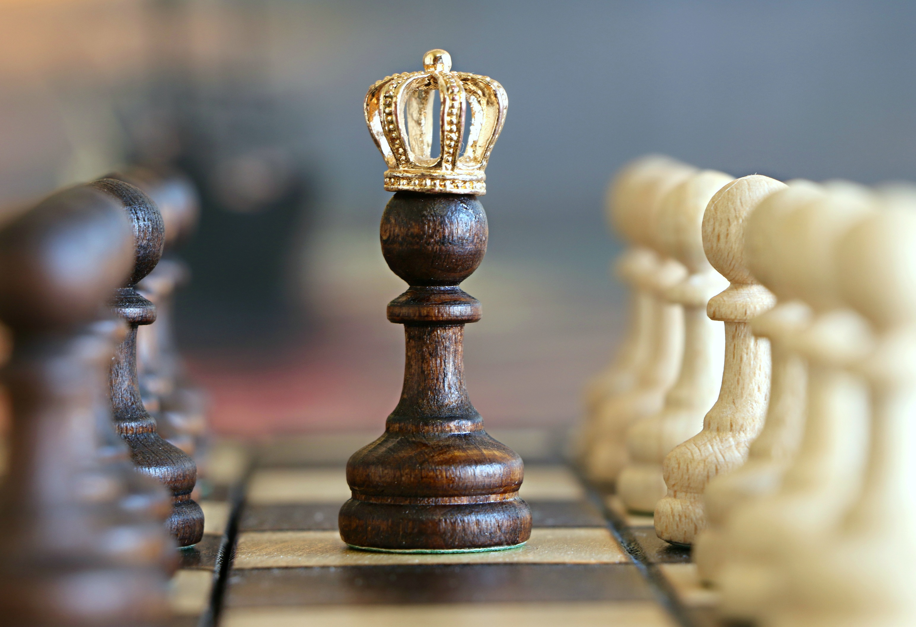 king chess piece with crown